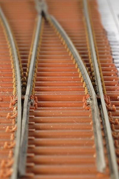 Gelenkzungenweiche EW190-1:9 rechts mit Stahlschwellen