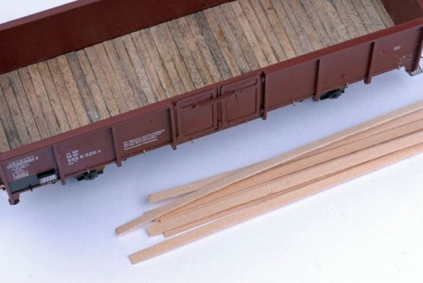 Lindenholzstreifen für Wagenböden 6,2 x 0,3 mm - Spur I