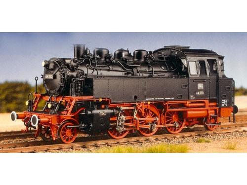 Baureihe 64 DB, genietete Wasserkästen, Einfachbremsen, kurzer Lüftungsaufsatz