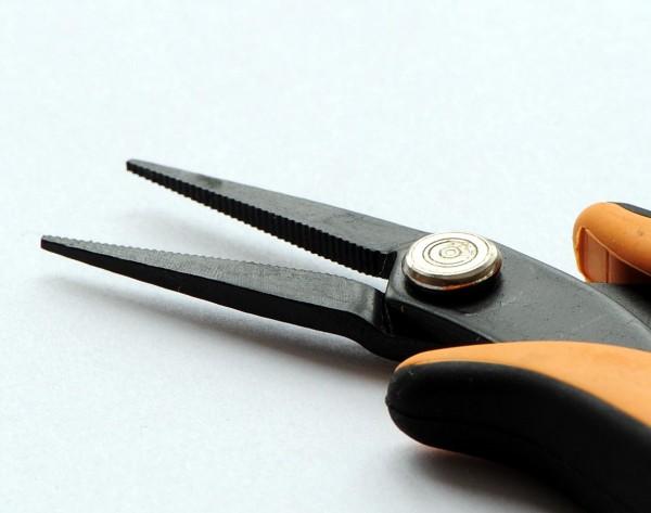 Elektronik-Flachzange flache spitze Backen innen gerieft, Länge 145 mm