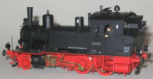 Abbildungen zeigen gebautes Modell
