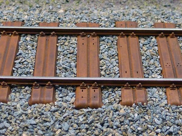 5 x Nebenbahnoberbau mit Breitschwellen 147,5 mm lang für Code 60 Profil