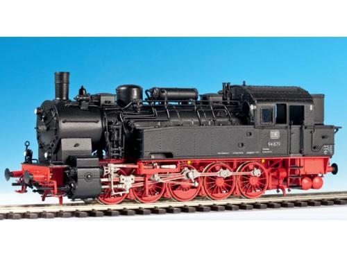 Baureihe 94.5, DB, dreidomig KDVK, Vorwärmer Kesselscheitel, Führerhaus mit Runddach, Kohlenkasten g