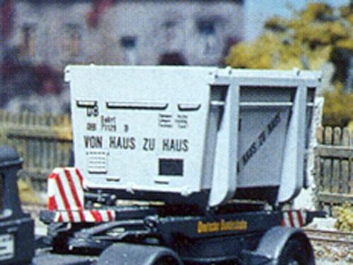 Haus-zu-Haus Container offen