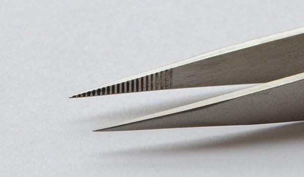 Pinzette spitz, innen geriffelt, 120 mm lang, für vielseitigen Einsatz